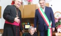 PALAGIANO - Festa grande per i 100 anni di zia Ninnì, al secolo Pasqualina Annicchiarico