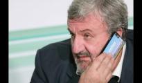 """ALTA TENSIONE/ I lavoratori di ArcelorMittal inondano il cellulare di Emiliano di messaggi """"non abbandonateci!"""" Oggi incontro al Mise"""