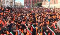 Agricoltura/ Forte protesta dei gilet arancioni stamattina a Bari.