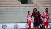 """CALCIO/ Taranto: Genchi e D'Agostino abbattono il Brindisi nel derby del """"Fanuzzi"""""""