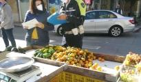 CONTROLLI/ Vendita abusiva di frutta e verdura, sequestri e multe a Taranto