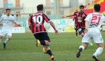 CALCIO/Taranto: Tris alla Frattese e le vittorie salgono a cinque