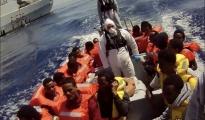 SBARCHI/ Settanta migranti dalla Sicilia a Taranto
