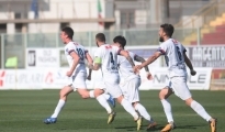 CALCIO/ Taranto: I rossoblù battono 3-1 il Molfetta grazie alle reti di Serafino, Diaz e Corvino