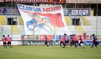 CALCIO/ Taranto: I rossoblù battono 4-2 il Cerignola e a novanta minuti dal termine della regular season mantengono un punto di vantaggio sul Picerno
